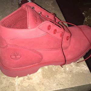 Timberland boot red in color